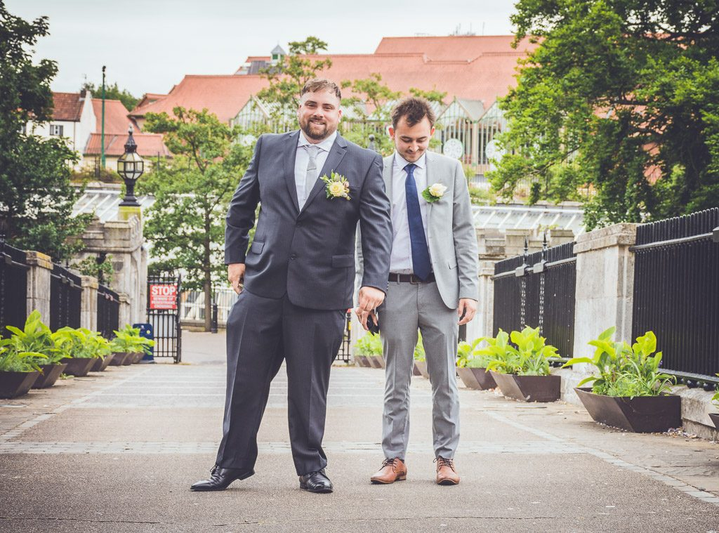 groom-and-best-man